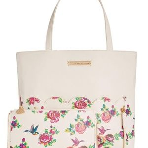 Betsey Johnson DO EVERYTHING TOTE